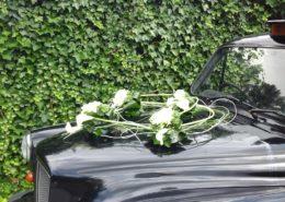 aux-floralies-charleroi-fleuriste-decoration-voiture-mariage